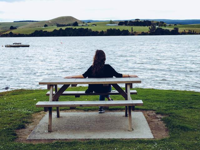 lake waihola dunedin neuseeland